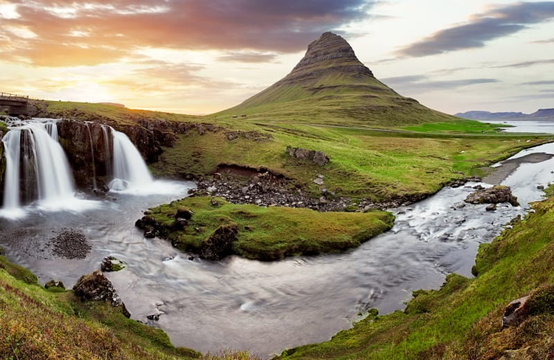 You Can Now Fly Non-Stop from Canada to Iceland Year-Round