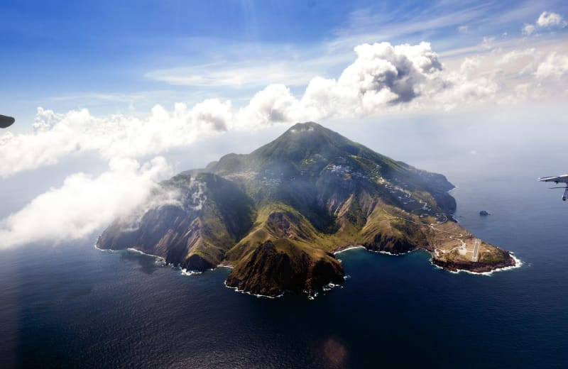 These Are the 10 Most Scenic Airport Landings in the World