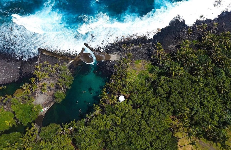 6 Gorgeous Swimming Holes Hidden in Hawaii