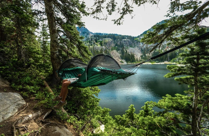5 Camping Essentials for People Who Aren't Naturally Outdoorsy