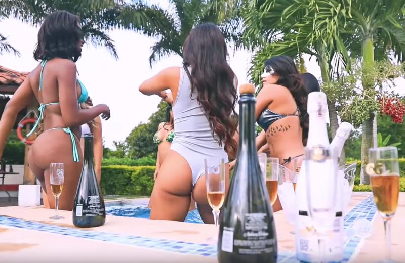 Colombian girls dancing in a hot tub at Good Girls luxury resort
