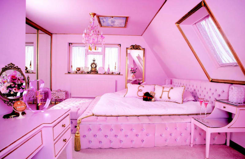 This All Pink Airbnb Is A Real Life Barbie Dreamhouse Viva Lifestyle Travel